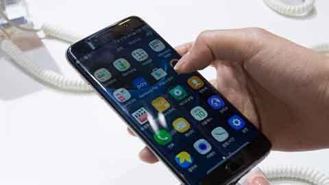 삼성전자, LG화학 배터리 스마트폰에 장착하나
