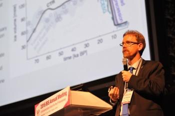 대중강연에 나선 티머먼 교수는 새로운 환경 변화에 의해 새로운 이주가 일어날 수 있다고 경고했다. - IBS 제공