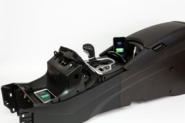 ETRI의 3차워 무선 충전 기술을 자동차에 구현한 모습 - ETRI 제공