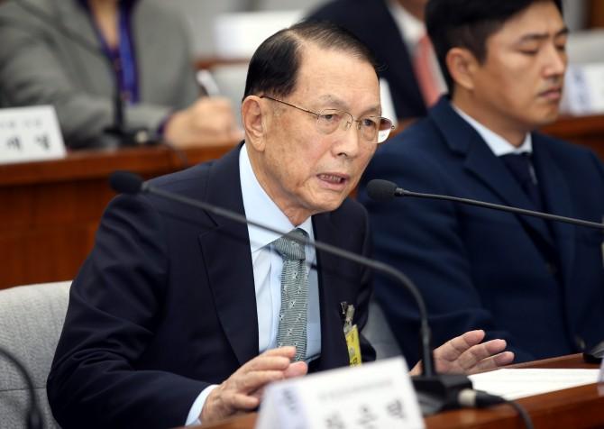 김기춘 전 청와대 비서실장은 일본 차병원(일본TCC)에서 면역세포치료를 받았다.  - 동아일보DB 제공