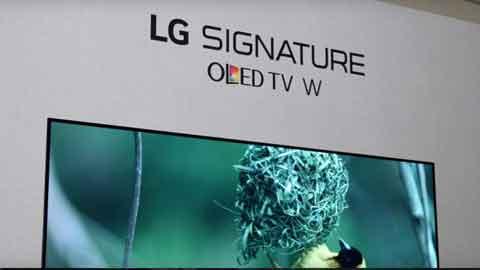 [CES 2017] LG, 벽에 붙이는 '벽지TV' 공개…백투더퓨처 일상으로
