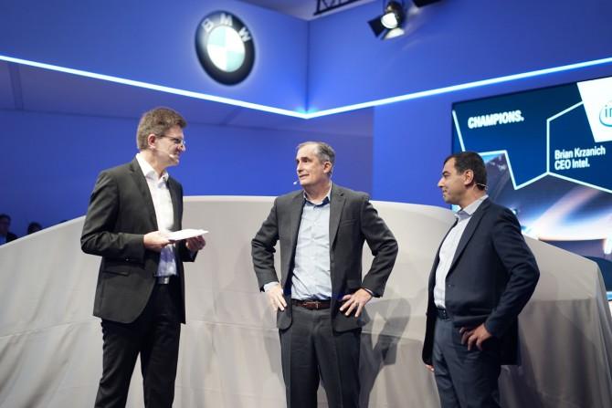 왼쪽부터 BMW AG 클라우스 플뢸리히, 인텔 브라이언 크르자니크 CEO, 모빌아이 암논 샤유아 회장. - 최호섭 제공