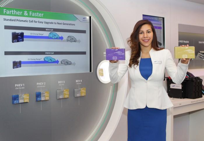 삼성SDI가 2017 디트로이트 모터쇼에서 선보인 급속충전이 가능한 600km 주행 셀 - 삼성SDI 제공