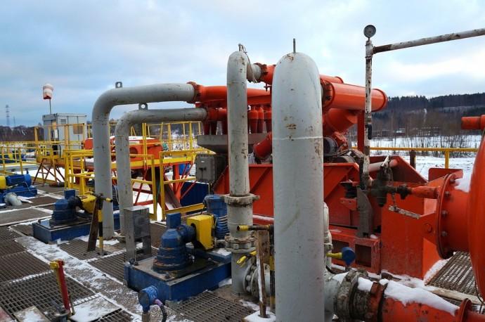 셰일가스 시추 장비의 모습. 셰일가스를 포함한 각종 천연가스에 포함된 질소는 가스의 효율을 낮춘다. 국내 연구진이 질소 흡착 효율을 높인 새로운 흡착제를 개발했다. - Pixabay 제공