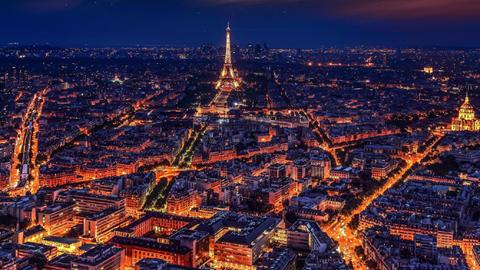 프랑스 파리의 황금빛 야경