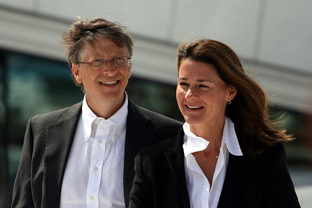 게이츠 재단을 만든 빌 게이츠(왼쪽)와 멜린다 게이츠.