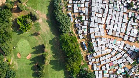 [포토저널리즘] 극적인 빈부 격차 사진들