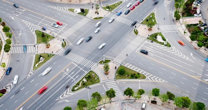 통행량이 많거나, 도로 구조가 복잡할 수록 수학으로 현상을 나타낼 때 고려해야 할 요소들이 많다. - GIB 제공
