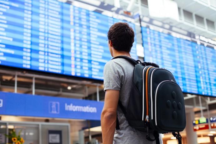 공항에서 흘려보내는 시간이 아깝게 느껴진다면, 자신의 효용가치를 정하고 최적의 공항 대기시간을 계산해 보면 어떨지. - GIB 제공