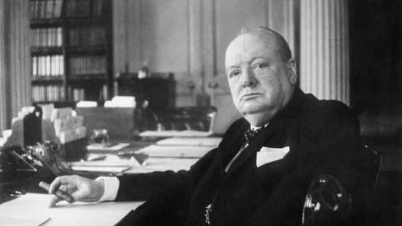 """윈스턴 처칠 """"외계인 존재"""" 주장한 비공개 글 발견"""