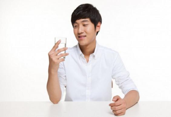 [작심일주② 주(酒)빈에서 수(水)빈으로] 하루에 물 몇 잔 마셔야 할까?