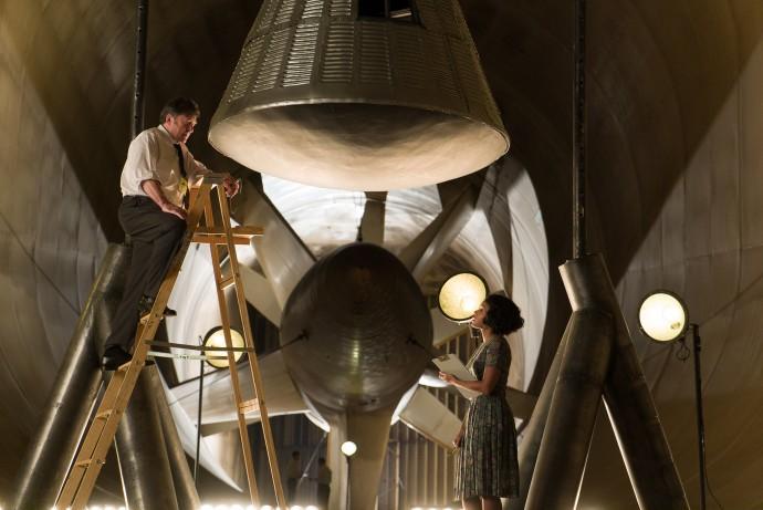 우주비행사 존 글렌이 탔던 인공위성 발사체 디자인은 그대로 재현됐다. - (주)20세기폭스사 제공