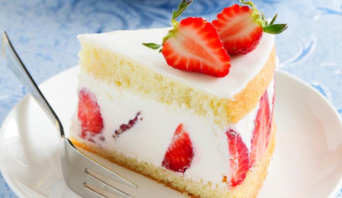 조각 케이크의 단면을 미리 보면, 맛을 상상할 수 있어 케이크 선택에 도움이 된다.  - GIB 제공