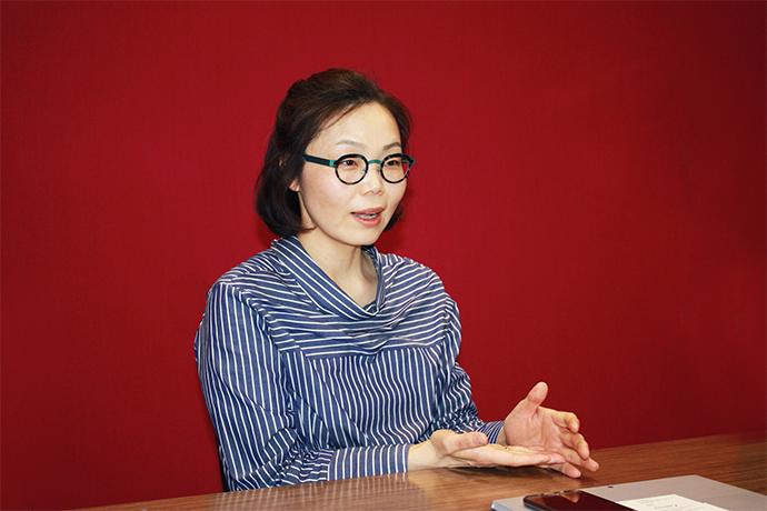 김현정 한국마이크로소프트 공공사업부 전무는 2003년 개발자 툴 제품 마케팅 담당자로 한국마이크로소프트에 합류한 뒤 여러 팀을 거쳐 현재는 공공사업부를 총괄하고 있다. - 한국마이크로소프트 제공