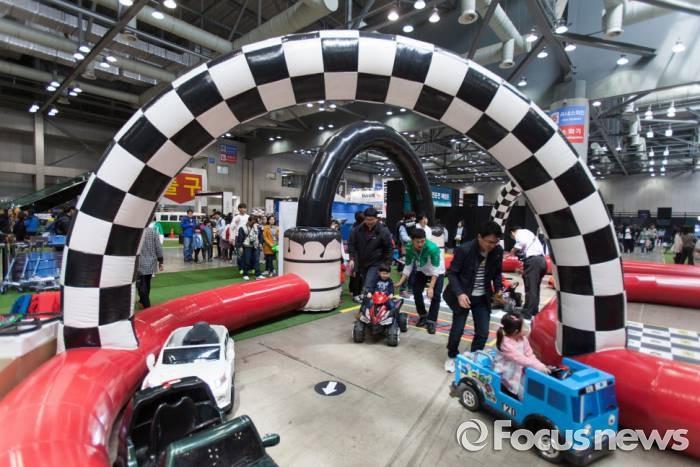 2015서울모터쇼의 어린이 자동차놀이공간 - 서울모터쇼조직위원회 제공
