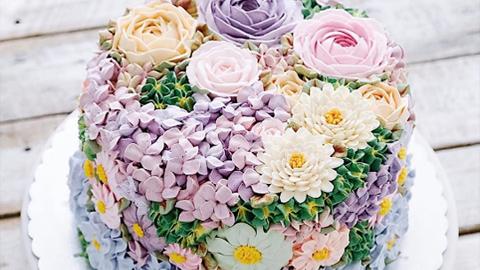 봄에 어울리는 꽃다발 케이크