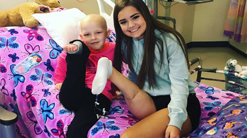 암으로 다리를 잃은 15살 소녀의 용기