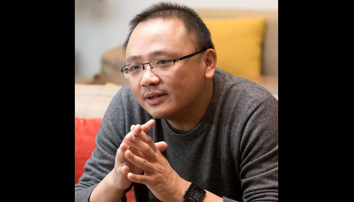 """바일 준금속 제조법을 발견해 세계적인 주목을 받은 다이시 중국과학원 물리학연구소 교수. 그는 """"직접 개발한 소프트웨어로 연구한다""""며 """"인공지능 알고리즘을 적용해 새로운 양자물질을 찾을 계획""""이라고 말했다. - AZA스튜디오 이서연 제공"""