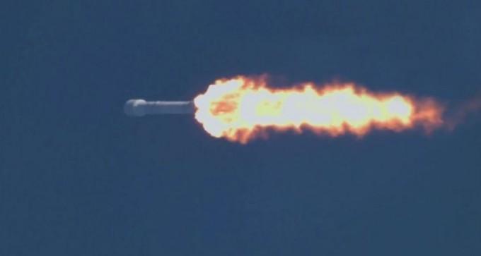 스페이스X는 30일(이하 현지 시간) 오후 6시 27분경 미국 플로리다 주 케네디우주센터 발사대에서 재사용 로켓 '팰콘 9'를 이용해 통신위성 'SES-10'을 쏘아 올리는 데 성공했다. - 스페이스X 제공