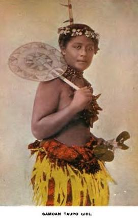 Charles S. Greene(1896). 사모아 섬의 소녀. 마가렛 미드는 사모아 섬의 소녀와의 인터뷰를 통해서, 이들이 시기심이나 욕심, 질투, 폭력성이 없는 행복한 삶을 살아간다고 주장했다. - wikimedia 제공