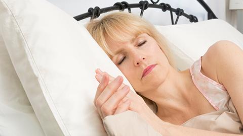 [강석기의 과학카페] 나이가 들수록 잠의 질이 떨어지는 이유