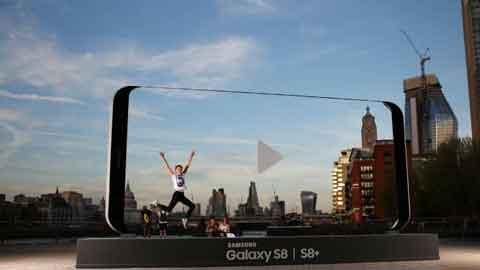 영국에 나타난 초대형 갤럭시S8…삼성전자 '이색마케팅' 눈길