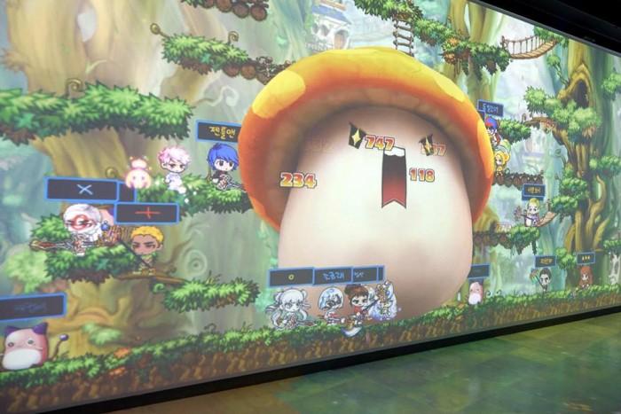 메이플스토리는 각기 다른 직업을 가진 캐릭터로 모험을 즐기는 대표적인 2D 게임이다. - 메이플스토리 공식 페이스북 페이지 제공