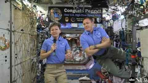 페기 윗슨, 세계 최장 우주 체류 여자 비행사 기록 경신