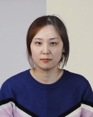 애플리케이션 '올디파이(Oldify)'에 사진을 입력하면 나이가 들었을 때 어떤 모습이 될지 가상으로 확인할 수 있다. 기자의 현재 사진(왼쪽)과 올디파이를 거친 사진(오른쪽). 사진은 얼굴에 국한돼 있지만, 좀 더 젊은 몸을 유지하기 위해서는 후성 나이를 늦추는 데 집중해야 한다.