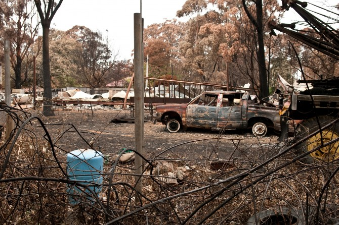 검은 토요일의 산불이 진화된 3개월 후, 호주 CSIRO 산불 통합 연구 센터에서 촬영한 피해 지역의 사진. 그 피해는 아주 오랜 기간 지속될 수 있다. - Nick Pitsas, CSIRO(W) 제공