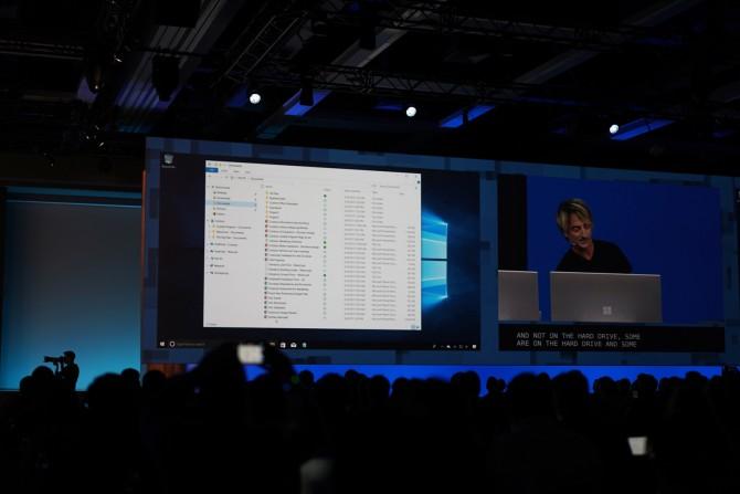 파일이 클라우드를 통해 다양한 기기와 운영체제에 동기화된다. 윈도우