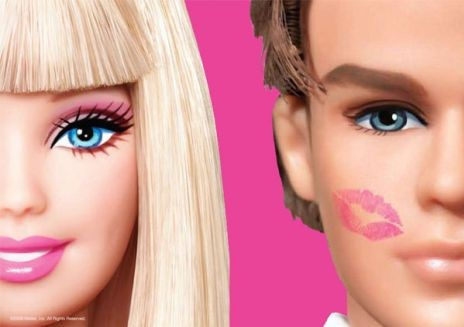바비(Barbie)와 그의 남자친구 켄(Ken). 제작사에 따르면, 바비는 몇 년 전 성격 차이로 켄과 헤어졌다. 지금은 그냥 좋은 친구로 지낸다. - madelineyoki(F) 제공
