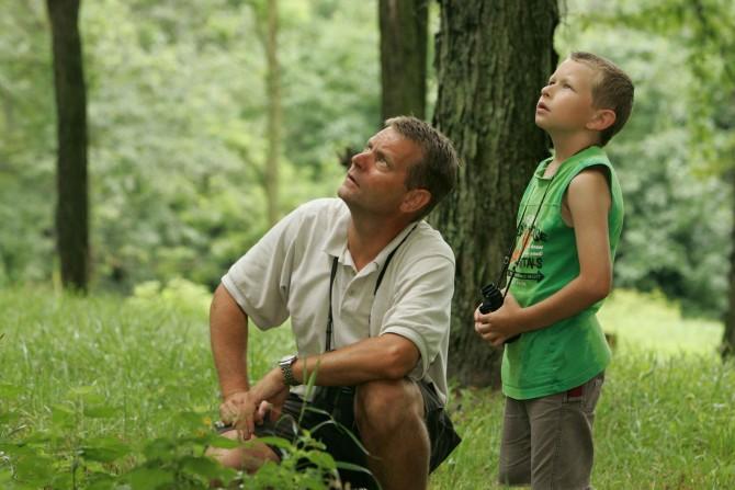 여성이 선호하는 남성의 기준은 아주 까다로운 것처럼 보인다. 그러나 이는 '좋은 아빠'의 잠재적 기준과 매우 흡사하다. 그리고 대부분의 남성은 조금만 노력하면, '좋은 아빠'가 될 수 있다. - U.S. Fish and Wildlife Service(W) 제공