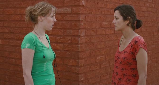 남편과 이혼까지 결심하고 산드라를 돕는 안느 - 그린나래미디어(주) 제공