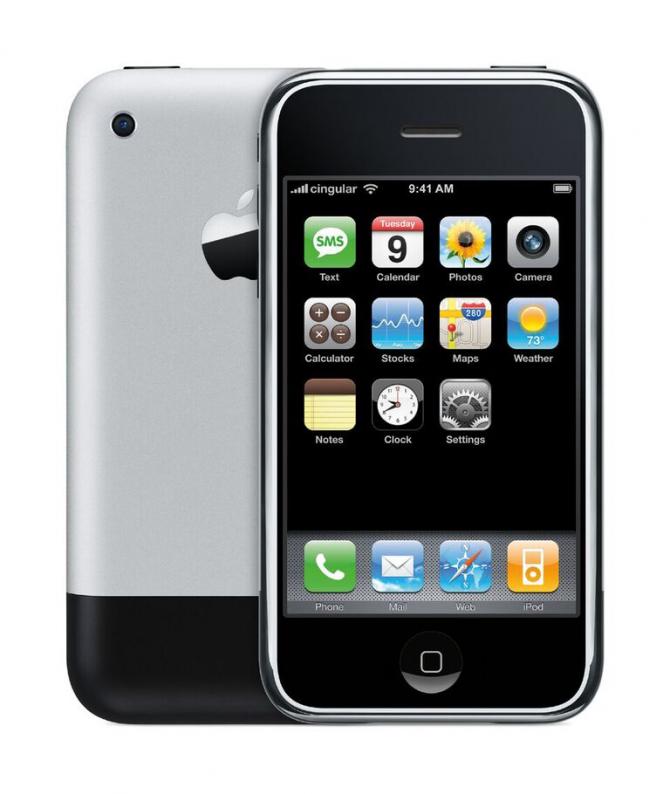 세상에 처음 선보인 1세대 아이폰 - 애플 제공