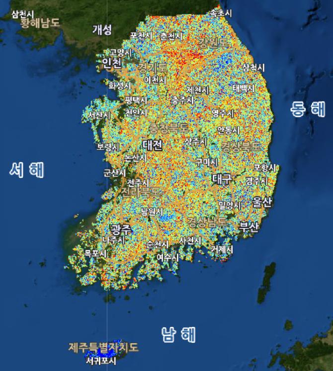 2017년 6얼 26일 현재 한국의 산사태위험지도. 위험도가 높은 빨간색 부분이 강원도 홍천지역에 가장 많이 몰려 있다. - 산림청 제공