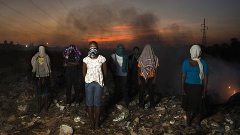 '비교 사진' 부자 나라와 가난한 나라의 14살 소녀들