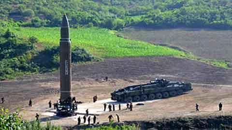 [사이언스 지식in] 북한이 쏜 미사일 '화성 14형', ICBM급 맞나요?