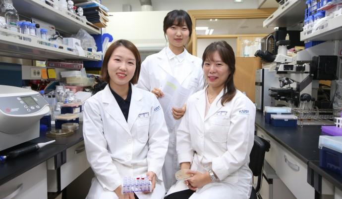 제13회 아시아생물공학회에서 수상한 박선영 학생, 최소영 연구원, 최유진 학생(왼쪽부터). - KAIST 제공