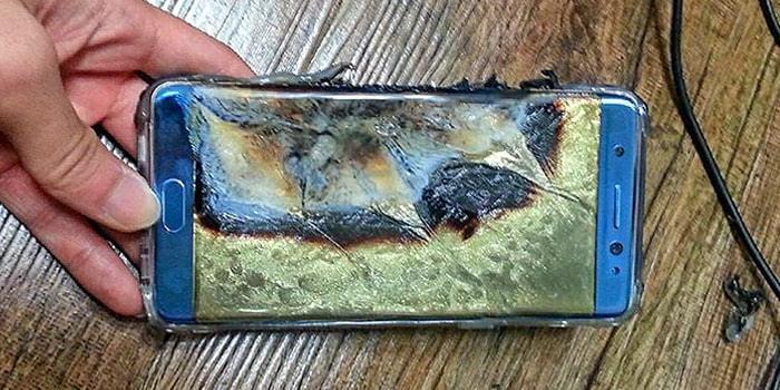 삼성전자의 스마트폰 갤럭지노트7 폭발 모습. 폭발의 원인은 배터리로 밝혀졌다. - Flickr 제공