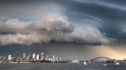 폭풍이 이렇게 아름답다니 '시드니의 먹구름'