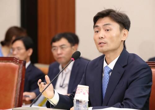 박성진 중기벤처부 장관 후보자 자진 사퇴