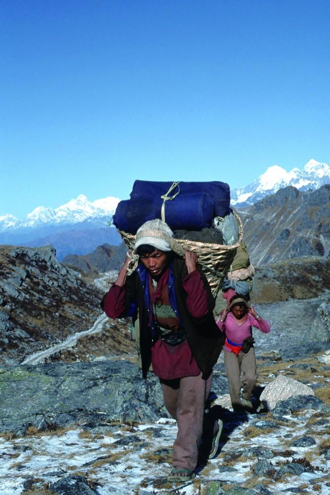 히말라야 고산족 셰르파는 히말라야 산행 동반자로 오랫동안 활약해왔다. - GIB 제공