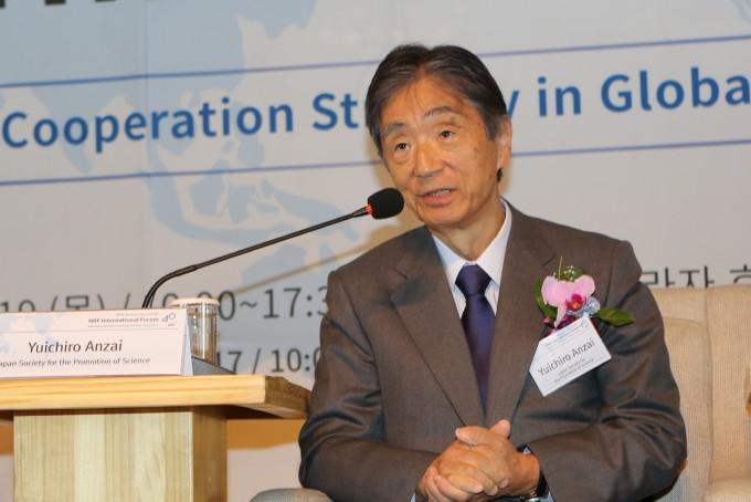"""(데스킹 전) """"스웨덴, 개인 연구비 30% 젊은 과학자들에게 지원"""" - 한국연구재단 제공"""