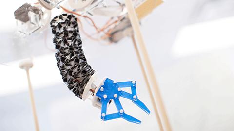 종이접기로 만든 로봇 팔 트위스터