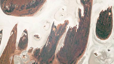 우주정거장에서 촬영한 호주의 사막과 소금 호수