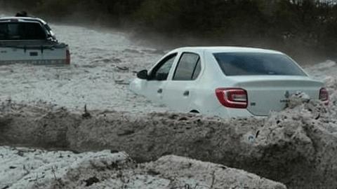 아르헨티나 우박 홍수, 대형 우박 쏟아져