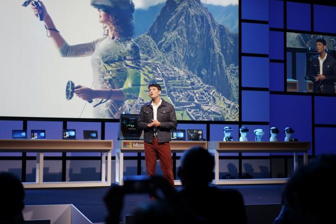 윈도우를 총괄하는 테리 마이어슨 수석 부사장은 MR과 윈도우10 환경의 통합을 이야기했습니다. 플랫폼과 관련된 전략이지요. - 최호섭 제공