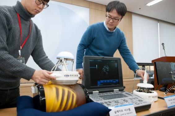소형 초음파진단 로봇 '래디어스', 의료 사각지대 간다