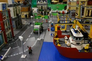 레고로 재구성한 스마트시티의 모습.